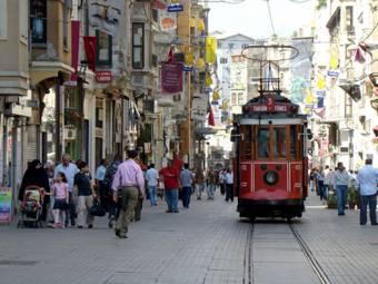 tram-taksim-istanbul-2-1468838396.jpg
