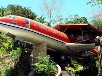 unusual_hotels_aeroplane-422255-1376646052.jpg